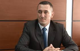 Rashiq tregon se si Kosova po e fuqizon Beogradin duke injoruar serbët e Kosovës