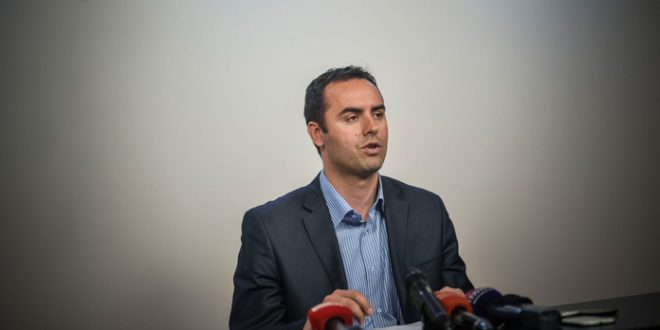 Konjufca: Vetëvendosje i ka dhënë nënshkrimet për rrëzimin e Qeverisë