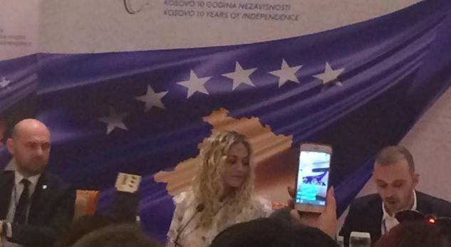 Rita Ora: Urime pavarësia, ju premtoj super koncert