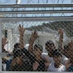 Refugjatët në Greqi, as në det e as në tokë